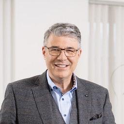 Herr Michael Steiner